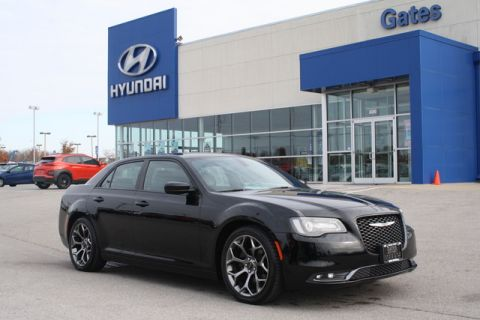 Pre-Owned 2017 Chrysler 300 S-RWD w/20-Inch Wheels & Leather Se